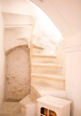 la-louviere-escalier2